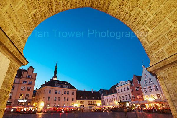 Town Hall Square Arch, Tallinn
