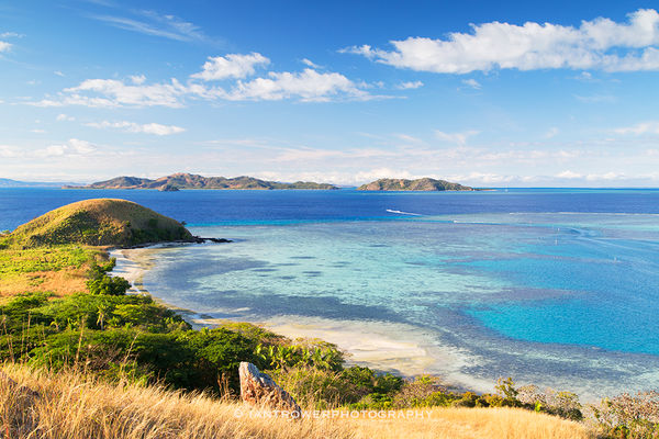 Mana and Malolo Islands, Mamanuca Islands