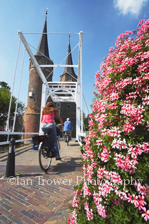 Cyclists, Delft