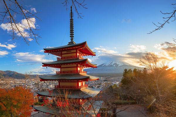 Chureito Pagoda and Mount Fuji, Japan