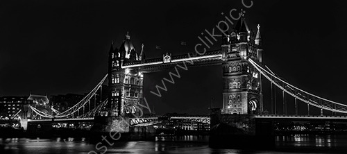 HC.Tower Bridge at night