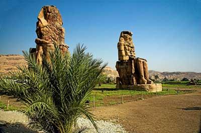 Colossi of Memnon in Context