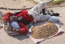 Peanut seller Delhi