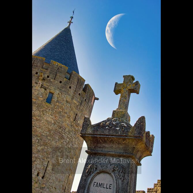 Carcassonne Graveyard with Moon