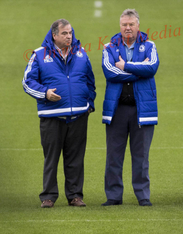 PICS SHOWS;Chelsea Training Ground Cobham Training Ground in Surrey Today 20/12/15   Guus Hiddink with Paco Watches Falcao Recovering from Injury,going thru a Training Session.