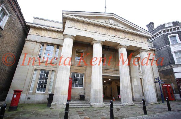 PICS SHOWS;Pics show Gravesend Town Hall ,Gravesend Kent.Gravesend Coroners Court.In the same Building.