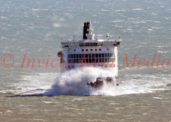 PIC SHOWS:- Ferry driving at Dover Harbour, Kent, in stormy conditions 13.9.17