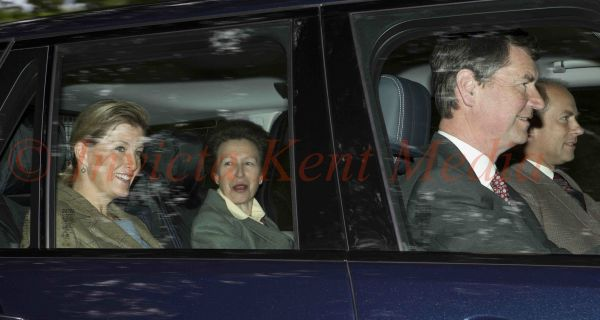 PICS SHOWS;Royals on there way to and from Crathie Church Balmoral Scotland 25/8/13 Prince Edward,Tim Laurence,Princess Anne And Sophie arrive At Crathie