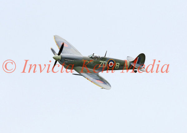 Spitfire MKIX MH434 over Biggin Hill, part of the 75 Anniversary of the Battle of Britain Hardest Day