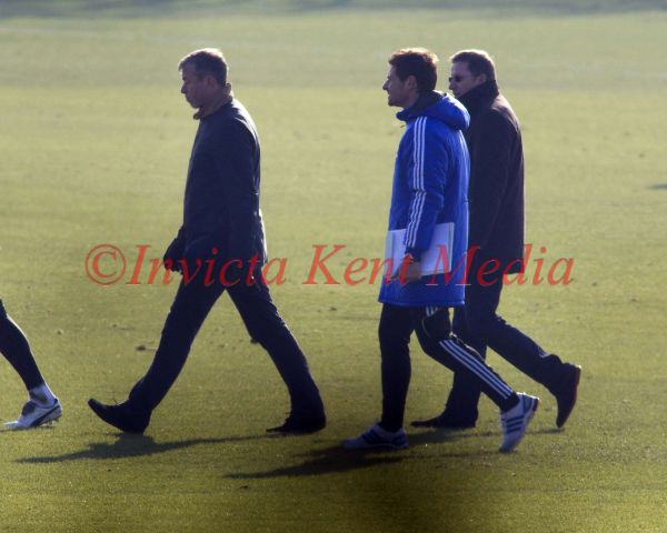 PIC SHOWS:CHELSEA TRAINING TODAY AT COBHAM TRAINING GROUND .ROMAN ABRAMOVICH WAS IN ATTENDANCE AND SPOKE AT LENGTH WITH ANDRE VILLA BOAS WHILE CHELSEA TRAINED.