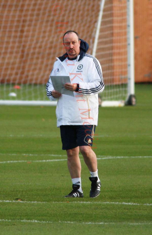 Chelsea training ground, UK, Rafa Benitez at training,