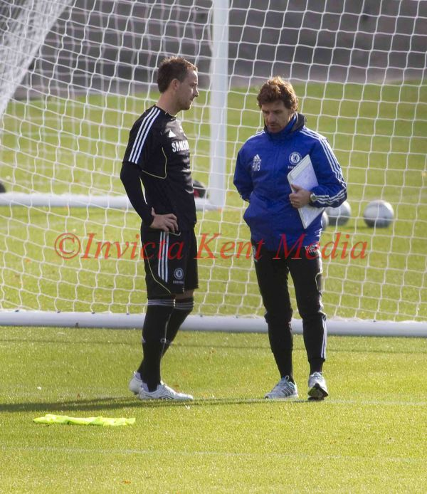 PIC SHOWS.JOHN TERRY TRAINING AT CHELSE FC, COBHAM TRAINING GROUND SURREY