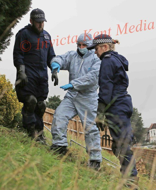 PICS SHOWS;Sian Blake,s House in Erith Kent where police activity still Continues with Search Teams looking at the Front garden .