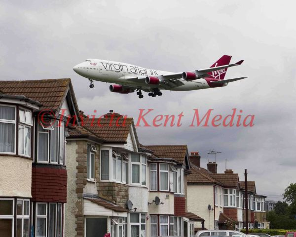 Virgin Atlantic Boing 747 approaching Heathrow over Myrtle Road