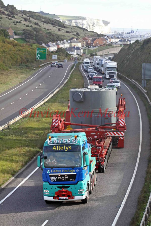 PIC SHOWS:- Allelys Heavy Haulage taking a 165 ton transformer from Dover Docks to Dungeness power station sunday 17.10.10
