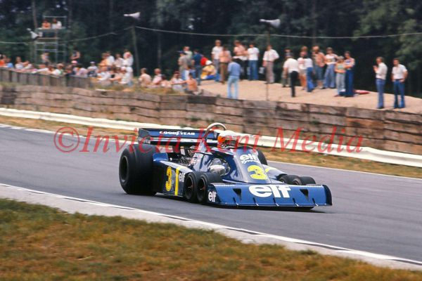 PIC SHOWS:- JODY SHECKTER IN THE 6 WHEEL TYRRELL FORD P34 AT BRANDS HATCH 11.7.76