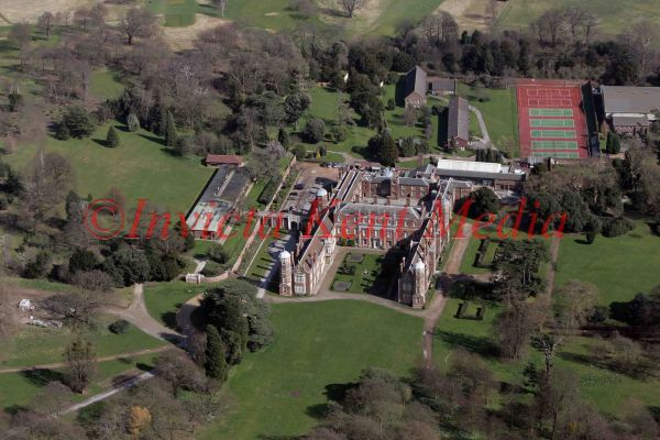PIC SHOWS AERIAL VIEW OF COBHAM HALL GIRLS SCHOOL, NR COBHAM, KENT