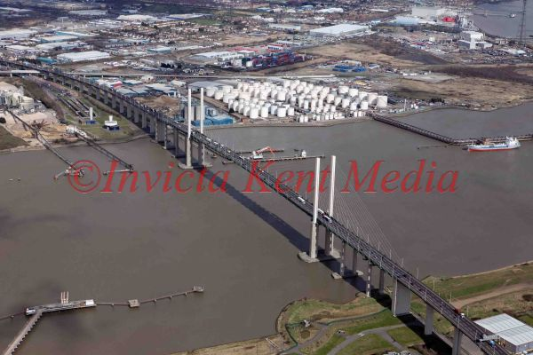 PIC SHOWS AERIAL SHOT OF THE DARTFORD RIVER CROSSING CARRYING THE M25