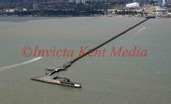 PIC SHOWS:- AERIAL VIEW OF SOUTHEND PIER, THE LONGEST IN THE WORLD.