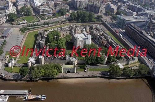 aerial pic of the Tower of London