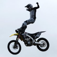 19 Les Cutbush Broke FMX M1