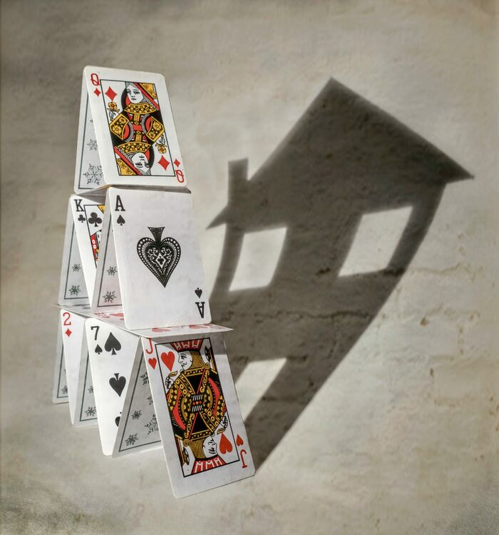 4f House of Cards C IWPS