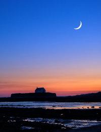 Lleuad Cwyfan moon