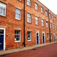 Towles Mill, Loughborough town centre/train station 6 bed houses to rent to groups of six. Great cheap student accommodation with plenty of parking.