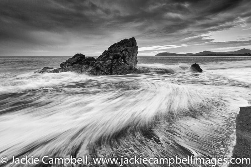 Whiterock wave swirl-Black and White