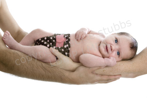 baby's first photoshoot within first six weeks