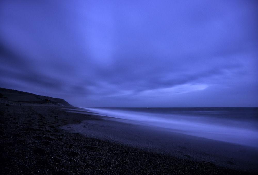 Burton Bradstock, Night