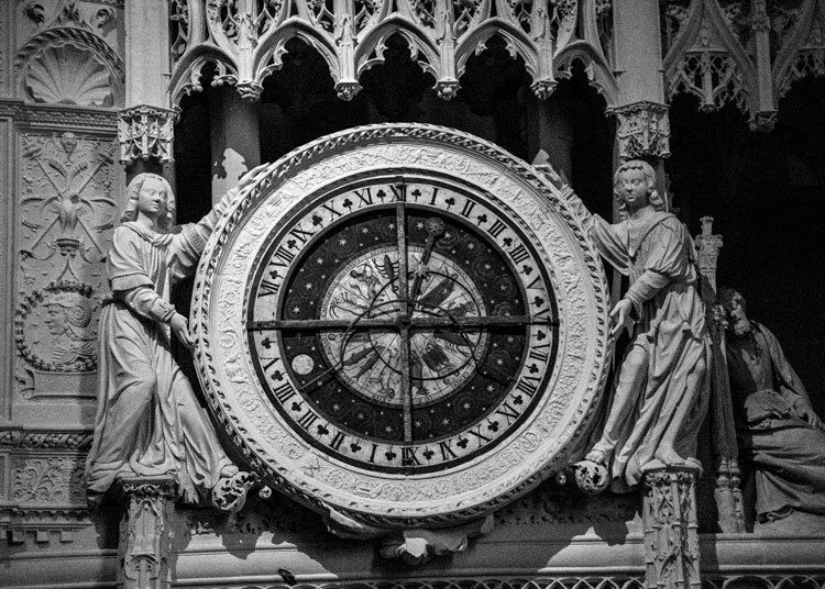 0126-Chartres Cathedral 2017