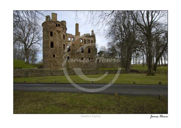 Huntly-Castle-1