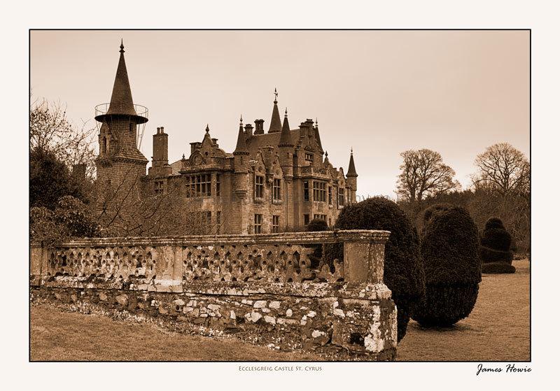 Ecclesgreig Castle