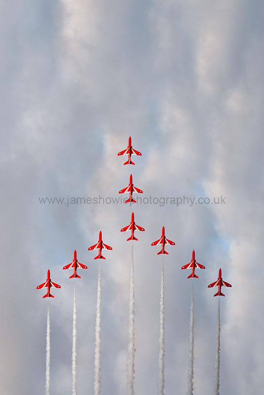 Red arrows 0525