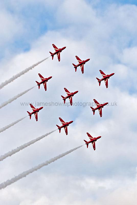 Red arrows 0558