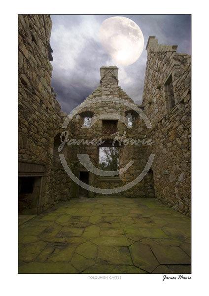 Tolquhon-Castle-Moon