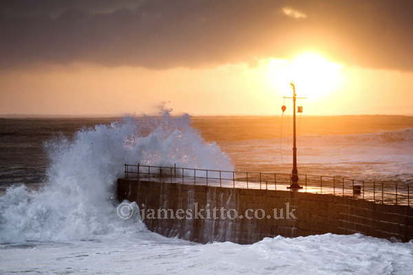 PORTHLEVEN WAVES & SUNSET