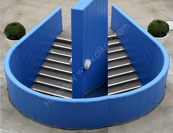 Blue_Stairwell_3021
