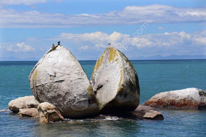 Split Apple Rock, Abel Tasman National Park