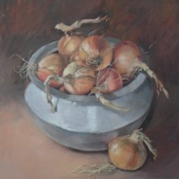 Onions in Sarenga Pot 01 Oil