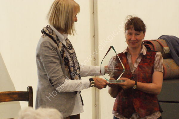 receiving Christopher Parsons award from Pollyanna Pickering at TWASI,Nature in Art 2012