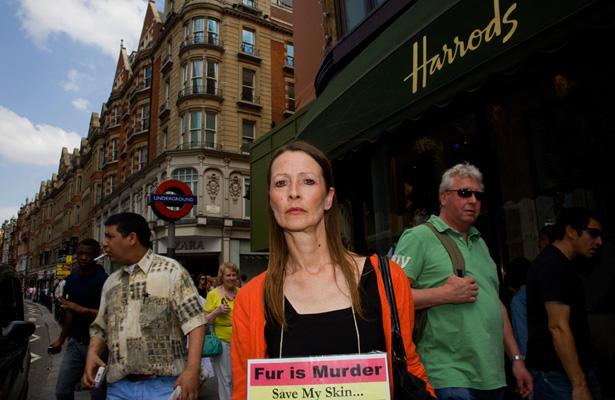 Anti-Fur protester
