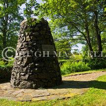 Burns Monument in Glen Afton