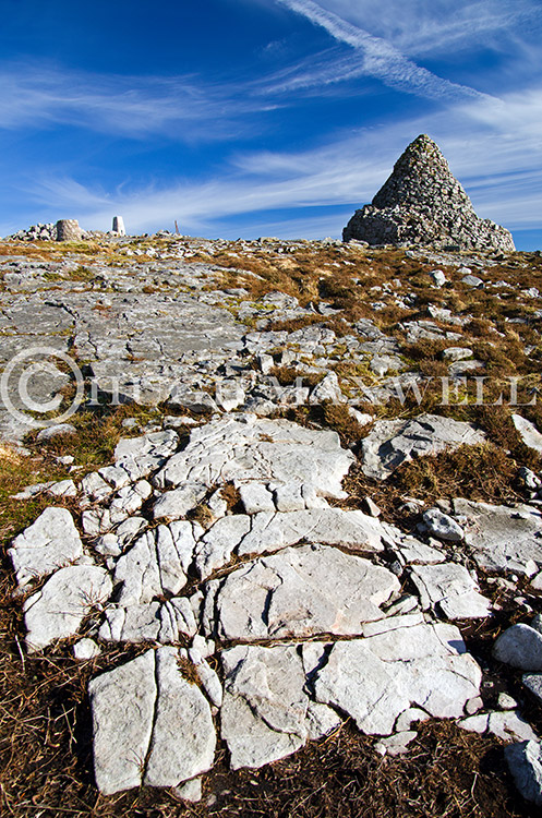The rocky summit of Cairn Table