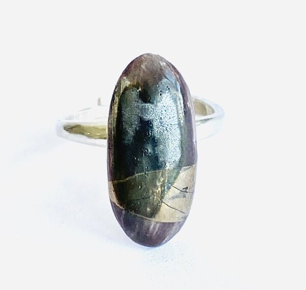 Purple porcelain ring with silver lustre.