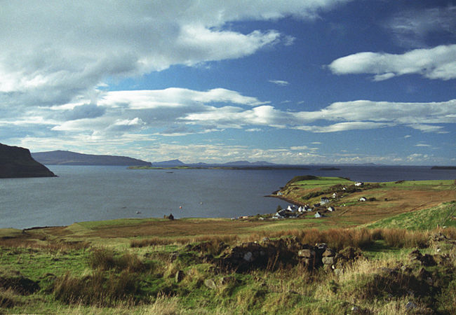 Soon after Allt a' Chaim, by the thatched cottage in Lochbay, comes the second great Waternish panorama, the view out over Stein to the Minch and Outer Isles