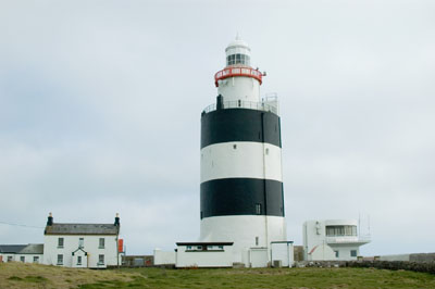 This gives some idea of how big the lighthouse is.