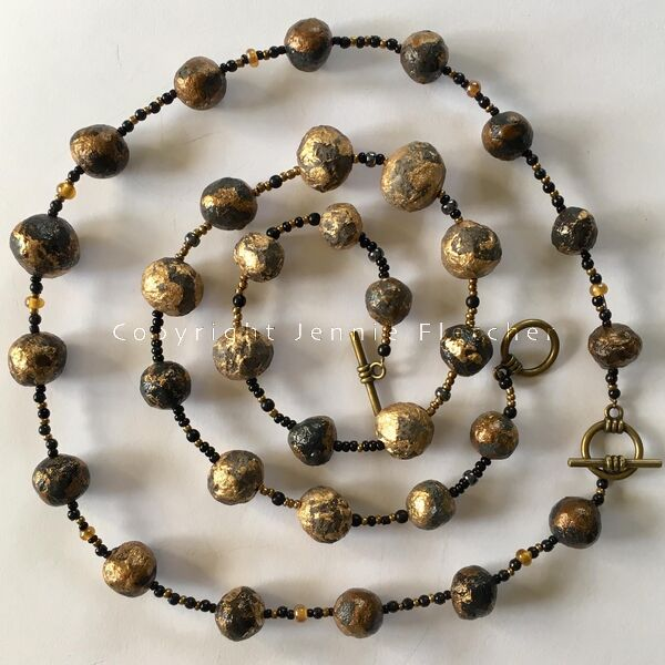 necklace (golds)