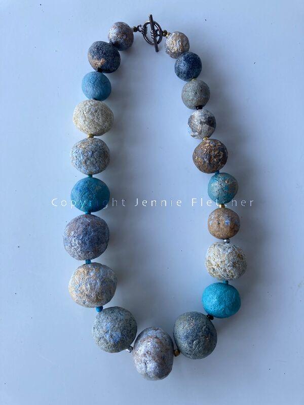 large bead necklace L2